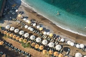 Is It Better to Travel Alone or with a Tour Group to Turkey?